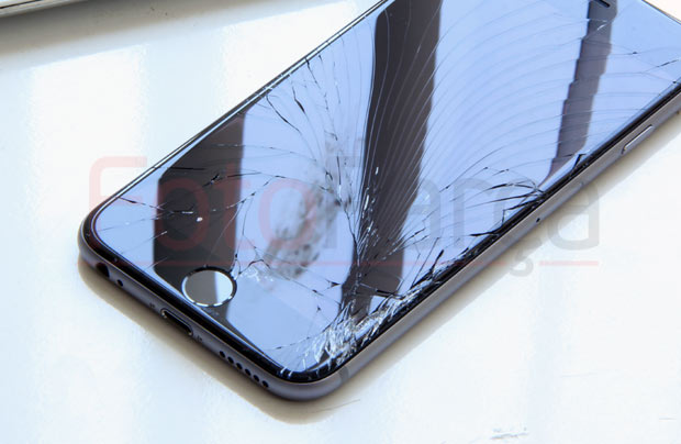 kirik-iphone-ekran